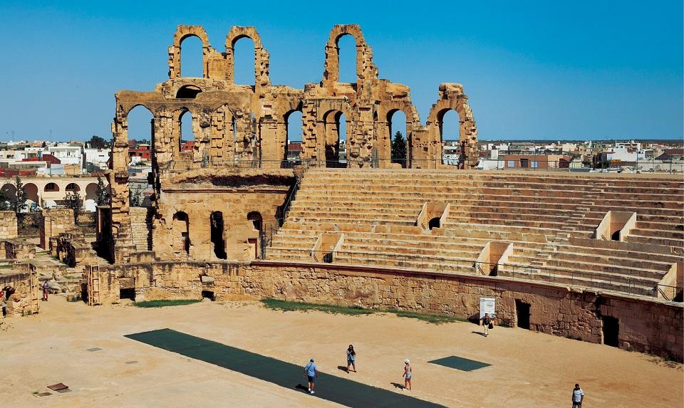 Amfiteatr w Al-Dżamm (fr. El Jem) mógł pomieścić około 30 000 widzów